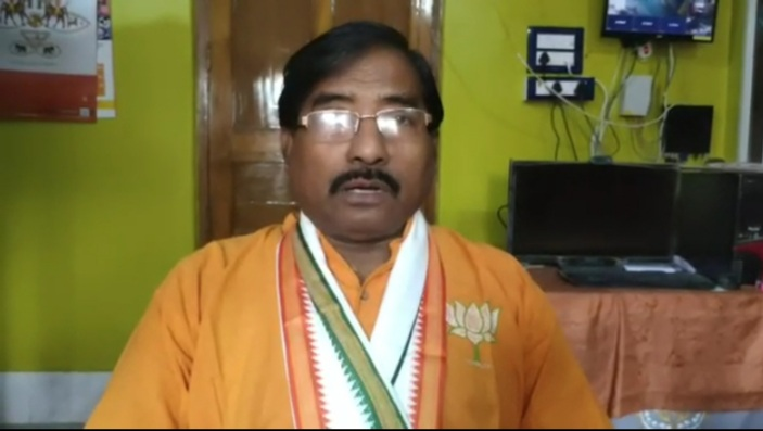 BJP MP Jagannath Sarkar narrowly escapes death in an 'accident'