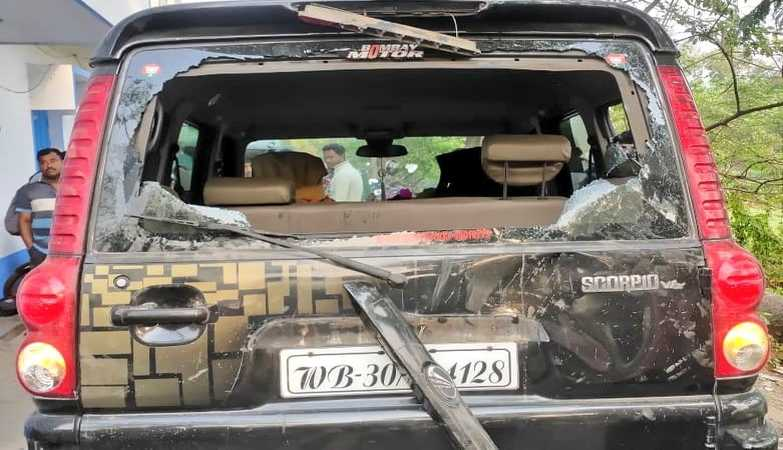Ex-cricketer and BJP candidate Ashok Dinda severely attacked during election campaign at Moyna in East Midnapore