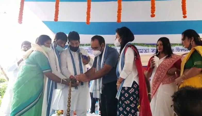 TMC MLA lays foundation stone of much awaited auditorium in Karimpur